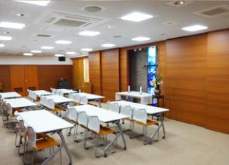 会合や礼拝など様々な場面で活用できる多目的のホール